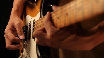 Lời khuyên về cách đánh đàn guitar đúng kỹ thuật có thể bạn chưa biết