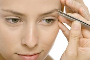 Sai lầm thường gặp nhất  khi chăm sóc lông mày bạn nên biết