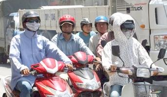 Lưu ý hữu ích nhất khi đi xe máy trời nắng nóng