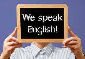 Lý do con gái nên học giỏi Tiếng Anh
