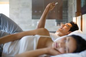 Dấu hiệu nghi vấn chồng bạn ngoại tình