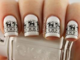 Mẫu nail phong cách Giáng sinh đơn giản, đáng yêu