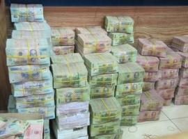Máy đếm tiền tốt, chất lượng, chính xác nhất hiện nay