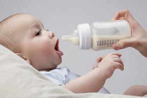Máy tiệt trùng bình sữa chất lượng nhất hiện nay