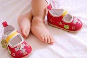 Mẹo chọn giày cho bé yêu