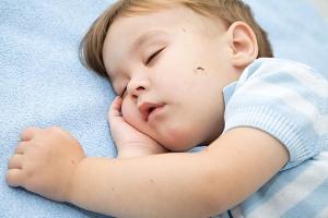 Mẹo vặt trị muỗi đốt hiệu quả cho trẻ sơ sinh