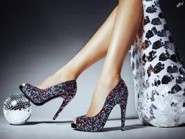Mẹo diện giày không bị phồng chân chị em nên biết
