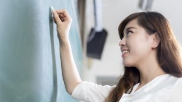 Ngành học giúp con gái ra trường dễ lấy chồng nhất