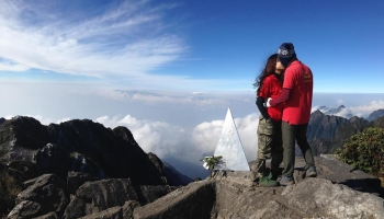 Ngọn núi có view đẹp nhất Việt Nam