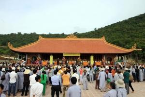 Ngôi chùa nổi tiếng nhất Bắc Ninh thu hút du khách dịp Tết
