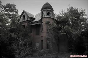 Ngôi nhà ma đáng sợ nhất Hà Nội