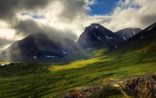Cung đường núi tuyệt đẹp nhất thế giới