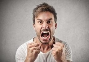 """""""nguyên tắc vàng"""" ứng xử khi khách hàng vô cùng tức giận"""