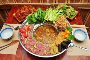 Nhà hàng sang trọng bậc nhất, uy tín lâu đời ở Hà Nội