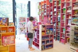 Nhà sách bán sách đỉnh nhất Sài Gòn