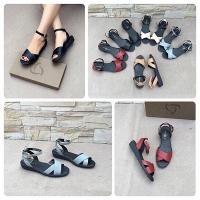 Shop giày có lượng like khủng trên Facebook