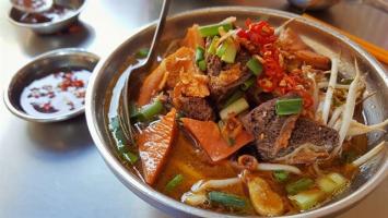 Quán người Hoa hút khách nhất Sài Thành