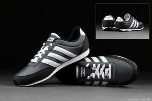 Cách giúp bạn phân biệt giày Adidas chính hãng và fake dễ dàng