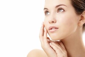 Phương pháp tẩy lông mặt tại nhà đơn giản, hiệu quả nhất