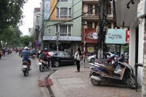 Quán ăn ngon rẻ dọc con phố Chùa Láng, Hà Nội