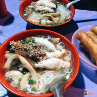 Quán ăn sâu trong hẻm nhỏ nhưng cực đông khách mà hội sành ăn không nên bỏ qua tại Hà Nội