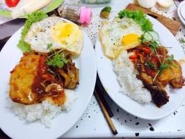 Quán ăn trưa ngon nổi tiếng cho dân văn phòng ở Đà Nẵng