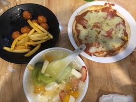 Quán ăn vặt thích hợp để hẹn hò, tụ tập quanh khu vực Bãi Cháy
