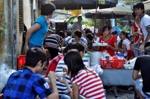 Quán ăn vặt  bạn nên ghé qua khi đến thăm Hà Nội