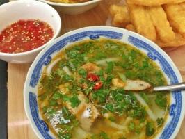 Quán bánh canh đông khách nhất ở Đà Nẵng