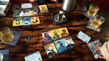Quán cafe bói bài tarot cực hút khách tại Hà Nội