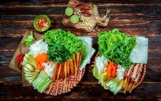 Quán nem nướng Nha Trang ngon nhất ở Hà Nội