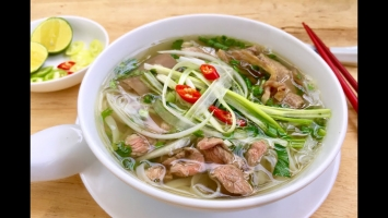 Quán phở 24h ngon nức tiếng ở Hà Nội