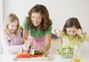 Sai lầm khi nuôi con nhỏ các bà mẹ hay mắc phải nhất