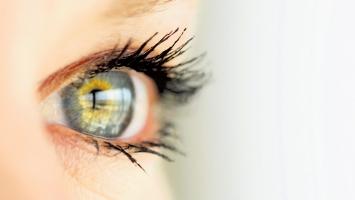 Sai lầm phổ biến khi sử dụng thuốc nhỏ mắt