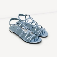 Shop giày online Facebook đẹp nhất Hà Nội và TPHCM