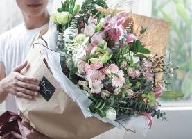 Shop hoa tươi có phong cách hiện đại hút khách tại Cần Thơ
