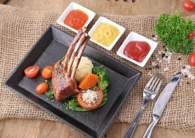 Quán ăn ngon tại phố Đoàn Trần Nghiệp - Hà Nội