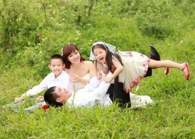 Studio chụp ảnh gia đình đẹp nhất tại Hà Nội