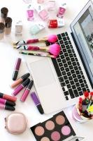 Thử thách trang điểm thú vị mà các beauty blogger đã thực hiện