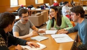 Thư viện dành cho người yêu thích ngoại ngữ tại Hà Nội