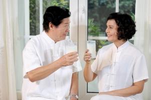 Thương hiệu sữa tốt nhất cho người cao tuổi ở Việt Nam