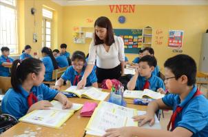Bài thơ hay viết về thầy cô và mái trường
