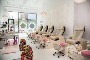 Top 10 Tiệm nail đẹp và  uy tín nhất ở TP. Hồ Chí Minh