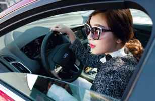 Tín hiệu giao tiếp bằng tay của lái xe chuyên nghiệp