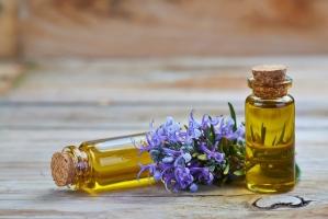 Tinh dầu dưỡng tóc hiệu quả nhất