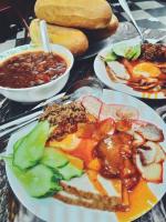 Món ăn vặt không nên bỏ lỡ tại phố Hàng Bông, Hà Nội