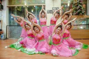 Cửa hàng cho thuê trang phục biểu diễn giá rẻ và đẹp nhất Quảng Ninh