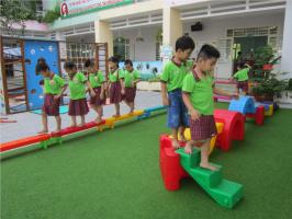 Trò chơi vận động ngoài trời theo chủ đề cho trẻ mầm non hay nhất