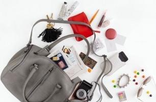 Vật dụng bất ly thân trong túi xách của con gái