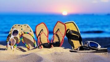 Vật dụng cần thiết nhất khi đi du lịch biển cho phái nữ